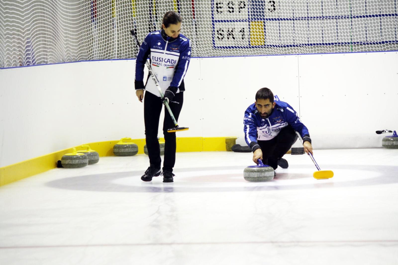 , Oihane Otaegi y Mikel Unanue, medalla de bronce en Eslovaquia, Real Federación Española Deportes de Hielo